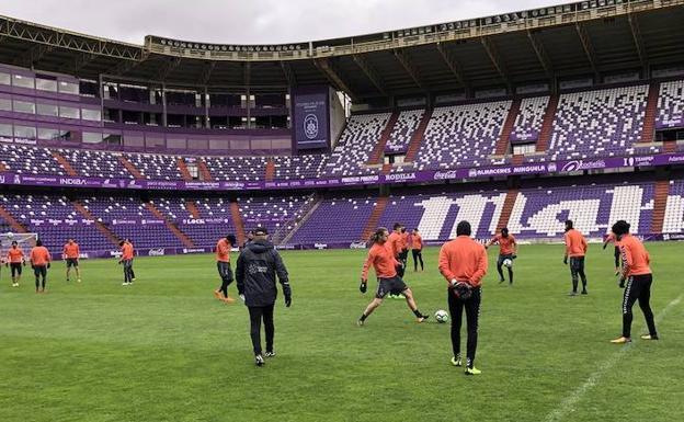 Sampedro se encierra en el estadio para preparar el for Puerta 20 estadio racing