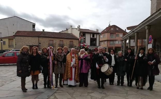 Las mujeres de linares de riofr o y la alberca adelantan la fiesta de las guedas el norte de - Grupo riofrio ...