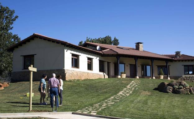 la ocupación de los alojamientos rurales superará el 86% en castilla