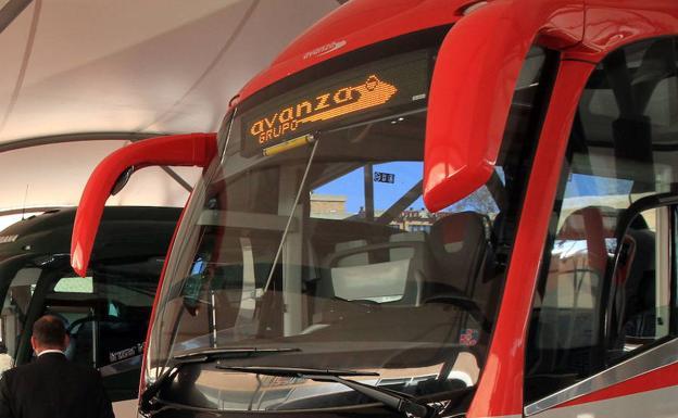 5e09afce2a Autobús de la flota del Grupo Avanza en la estacion de autobuses de Segovia.