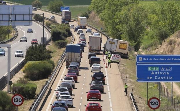 Accidente de tráfico en la A-62, en Arroyo de la Encomienda (Valladolid).
