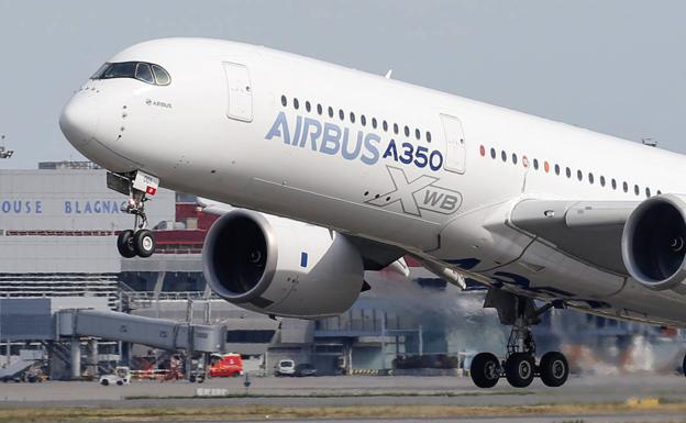Airbus 350 despegando./Reuters
