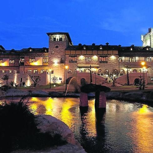 La abad a de los templarios sube al podio del top 10 de la for Hoteles y hostales en la alberca salamanca