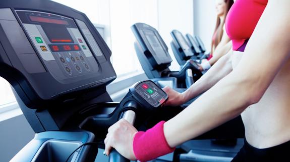 Fitness peso perdida personal de entrenamiento sala